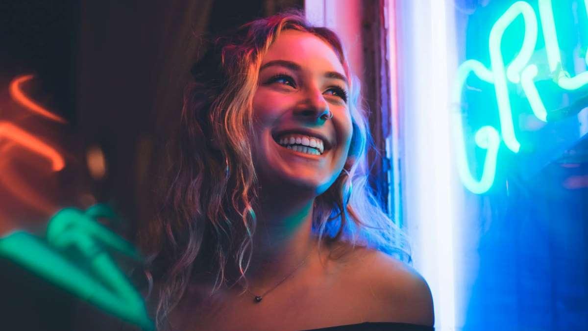 Sonreír provoca un efecto muy positivo en quien lo hace y en los demás