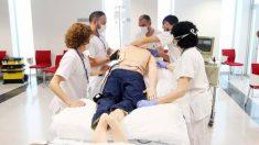 Muchos pacientes en la UCI están boca abajo en la cama, en lugar de boca arriba