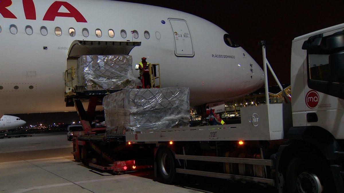 Uno de los vuelos que llegaron con productos sanitarios del corredor aéreo con China.