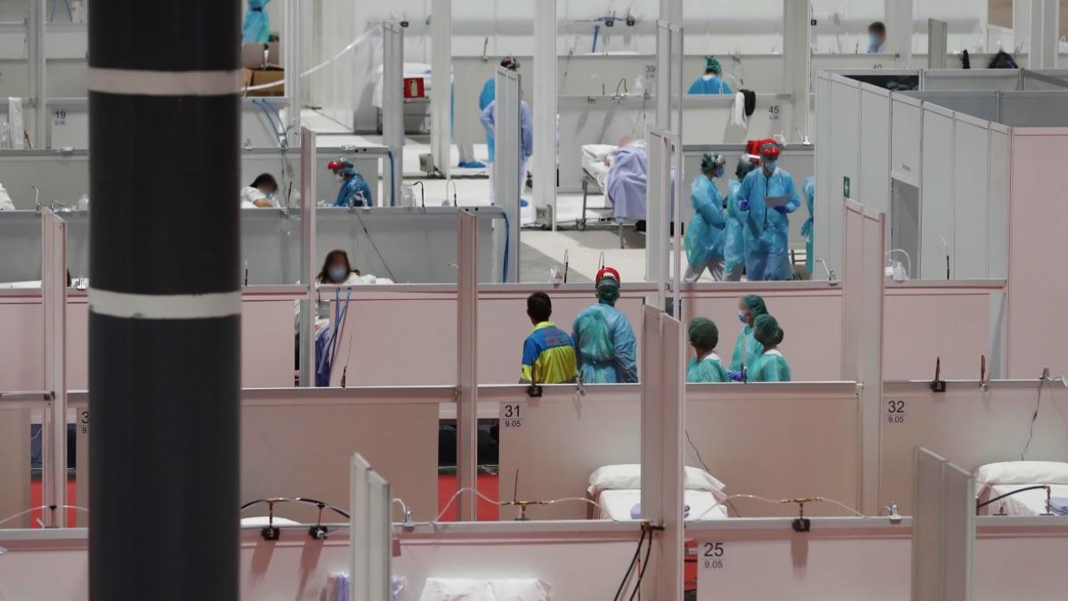 Camas en el pabellón 9 de Ifema para pacientes con coronavirus. (Foto: Comunidad)