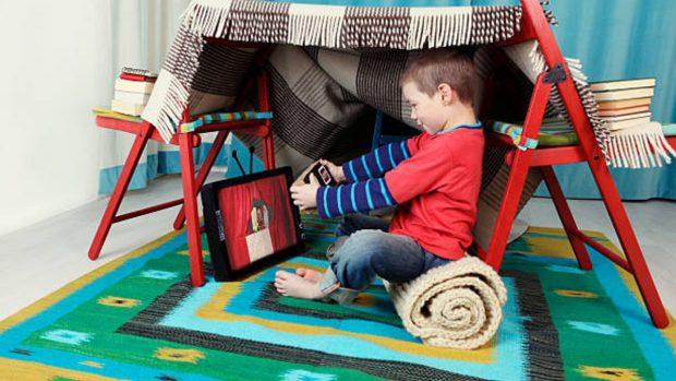 Cómo construir una tienda de campaña para los niños dentro de casa