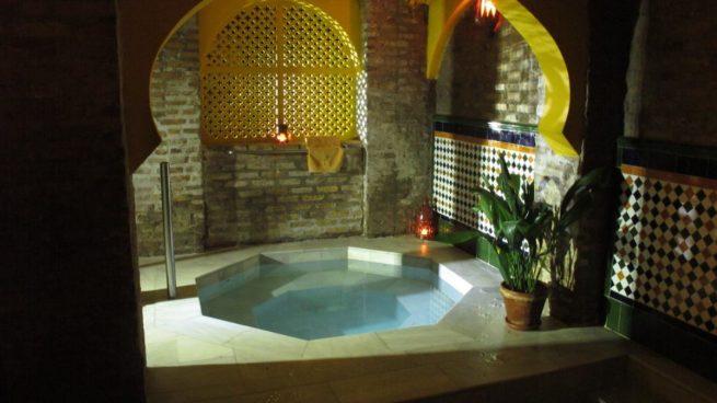 Los mejores baños árabes en Granada cuentan con una larga tradición e historia.