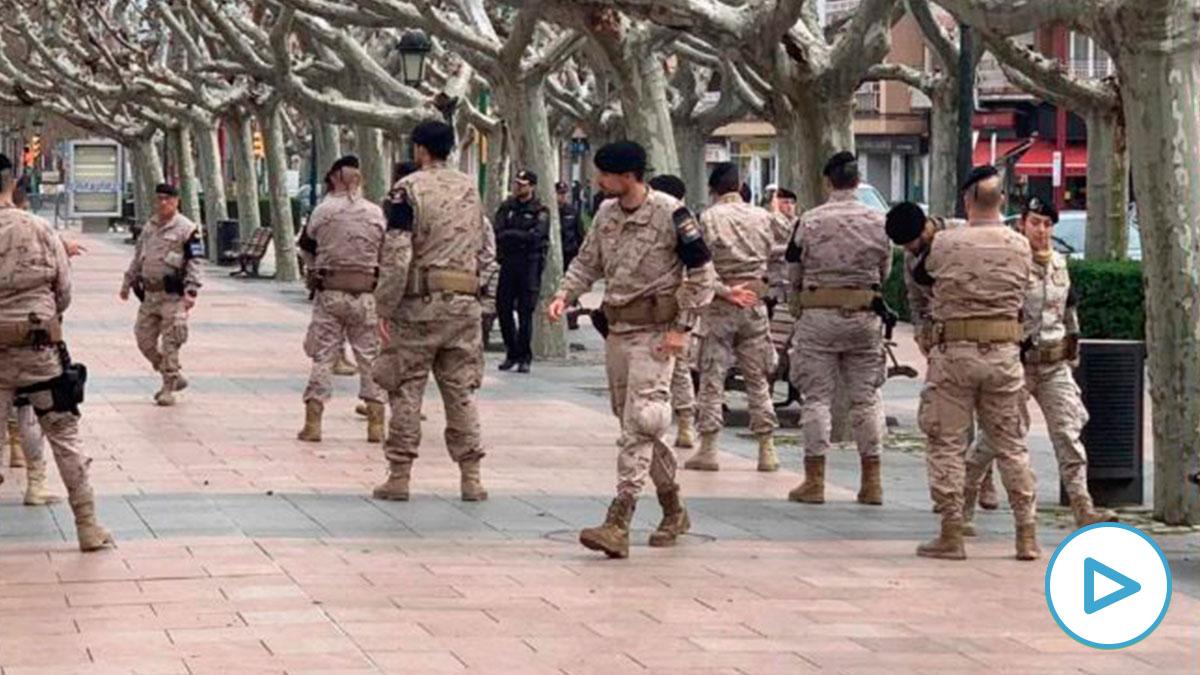 Efectivos del Ejército del Aire en el centro de la ciudad de Calatayud. Foto: EP