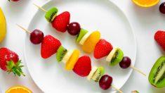 Brocheta de frutas