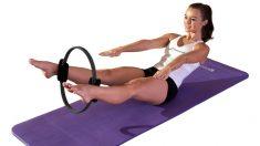 El anillo de pilates es uno de los mejores accesorios para ejercitarte