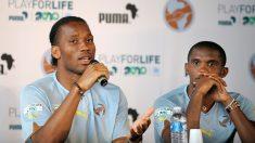 Drogba y Eto'o durante un acto benéfico (AFP).