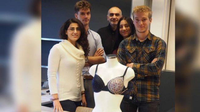 Estudiantes suizos crean un sujetador que detecta el cáncer de mama