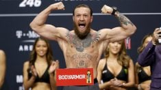 Conor McGregor durante una sesión de pesaje antes de un combate. (AFP)