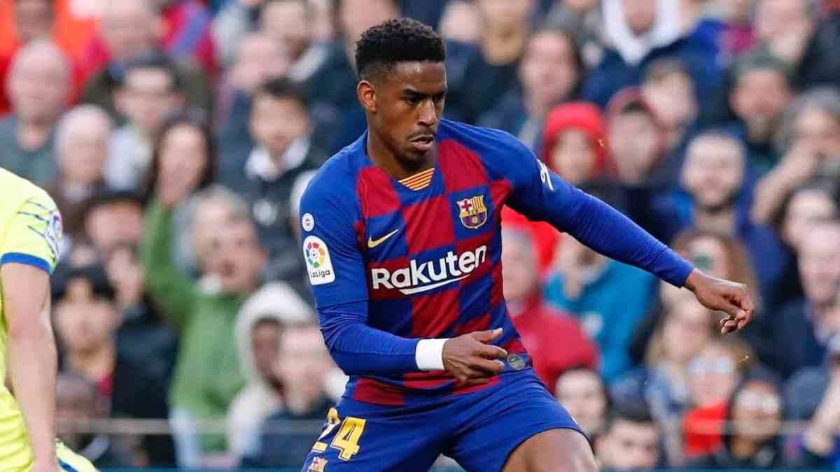 Junior Firpo con el Barcelona. (@JuniorFirpo03)