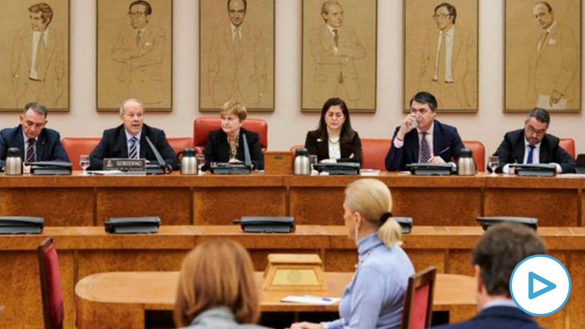 Mesa de la Comisión de Justicia del Congreso de los Diputados. (Foto: Congreso)