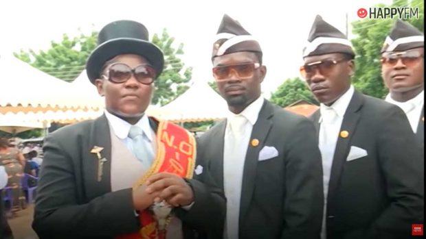 El meme de los africanos bailando en un funeral, el éxito del momento