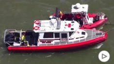 Los servicios de rescate buscan el cuerpo de  Maeve Kennedy y su hijo.