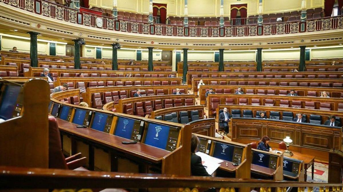 El Congreso semivacío ante la crisis del coronavirus. (Foto: EFE)