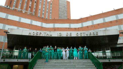 Homenaje a los sanitarios en el Hospital 12 de Octubre. Foto: EFE