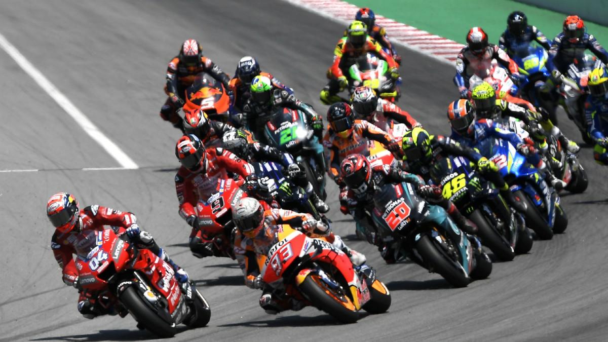 Los pilotos de MotoGP durante el GP de Cataluña en 2019. (AFP)