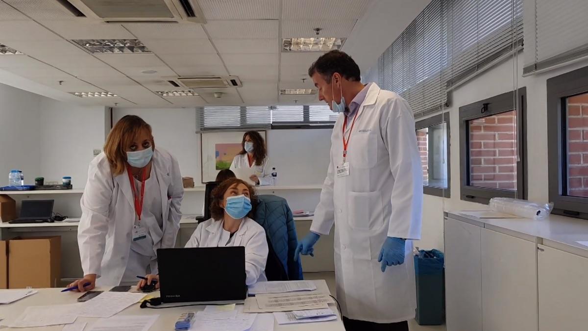 Más de 1.000 sanitarios de Atención Primaria trabajan en Ifema: «Damos paz y apoyo al paciente»