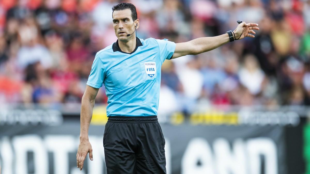Juan Martínez Munuera durante un partido de la Liga. (AFP)