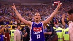 Nacho Azofra celebra una victoria con Estudiantes. (Movistar Estudiantes)