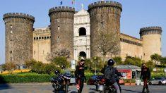 Agentes de policía realizan un control rutinario durante el confinamiento en una ciudad italiana (Foto. EFE).