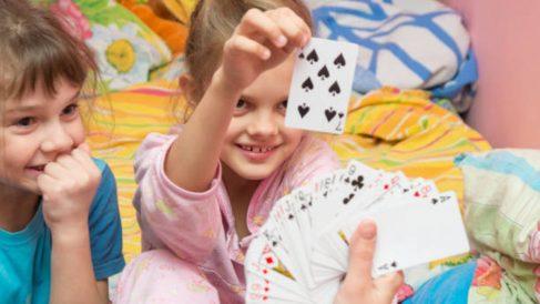 Distintos trucos de magia que podemos enseñar a los niños