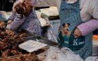Una nueva ley prohíbe comer perros en China