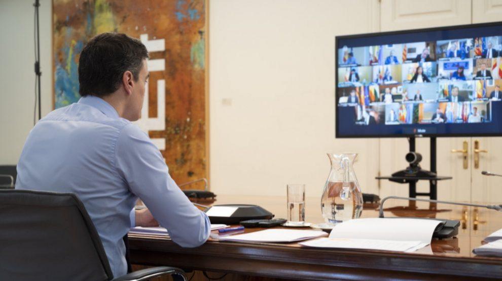 El presidente del Gobierno, Pedro Sánchez, durante la videoconferencia con los presidentes autonómicos.