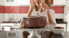 Tres recetas de pasteles que podemos hacer con los niños en casa