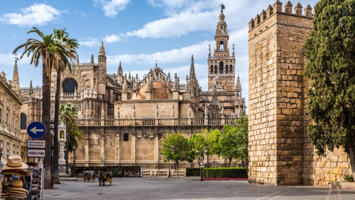 Sevilla aprueba nuevo calendario deportivo afectado por el Covid-19