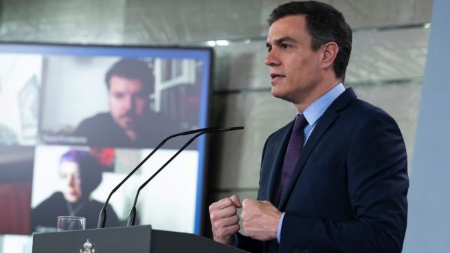 Moncloa recupera las ruedas de prensa presenciales: permitirá el acceso de una veintena de periodistas