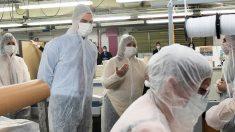 Pedro Sánchez visitando una fábrica. (Foto: PSOE)