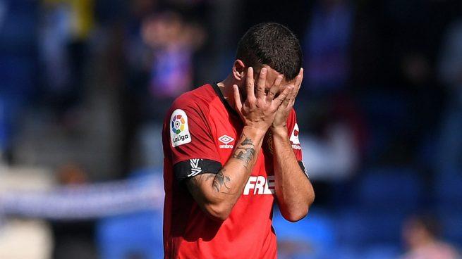 Dani Rodríguez se lamenta durante un partido (Getty).