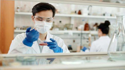 Un científico francés apunta directamente a los chinos como fabricantes del coronavirus