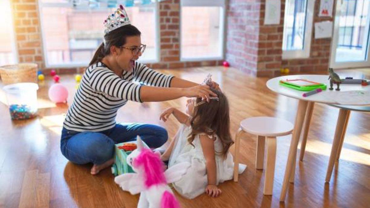 Todos los pasos para hacer una corona para celebrar el Día de la Madre