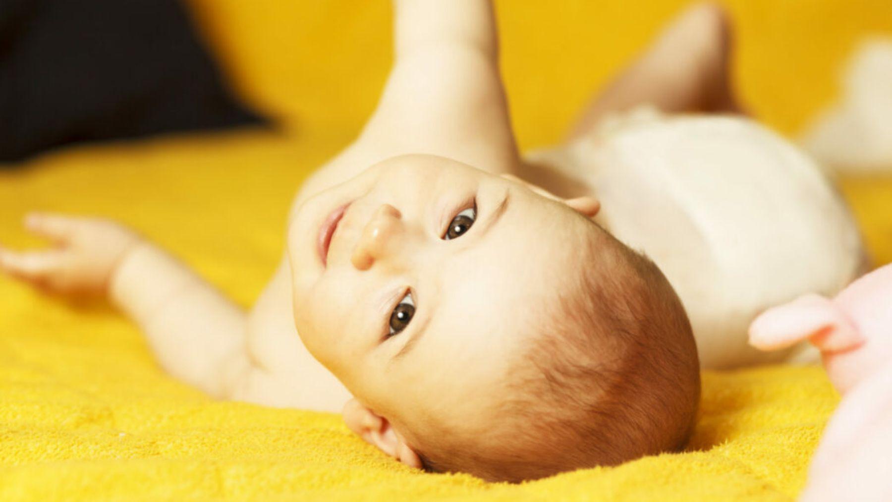 En qué momento el bebé empieza a girar y cómo ayudarle a conseguirlo