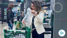 Yolanda Díaz, la mañana de este sábado haciendo la compra en Mercadona.