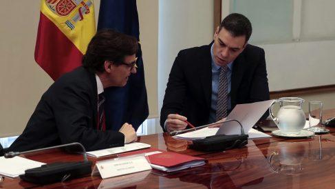 Salvador Illa y Pedro Sánchez. (Foto: Moncloa)