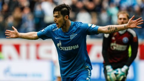 Sardar Azmoun celebra un gol con el Zenit. (Getty)