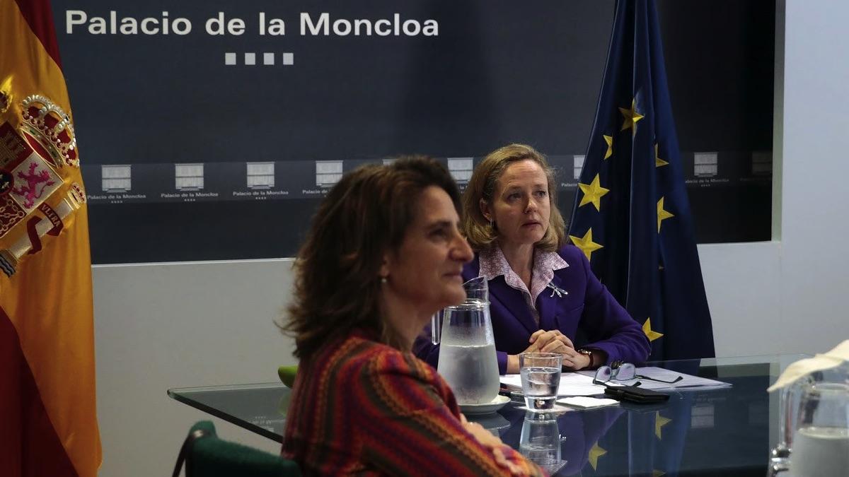 Teresa Ribera y Nadia Calviño. (Foto: PSOE)