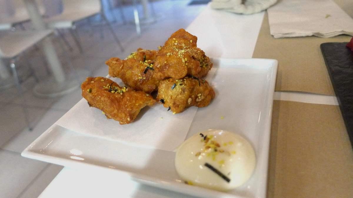 Pollo rebozado a la griega, receta fácil y delicios