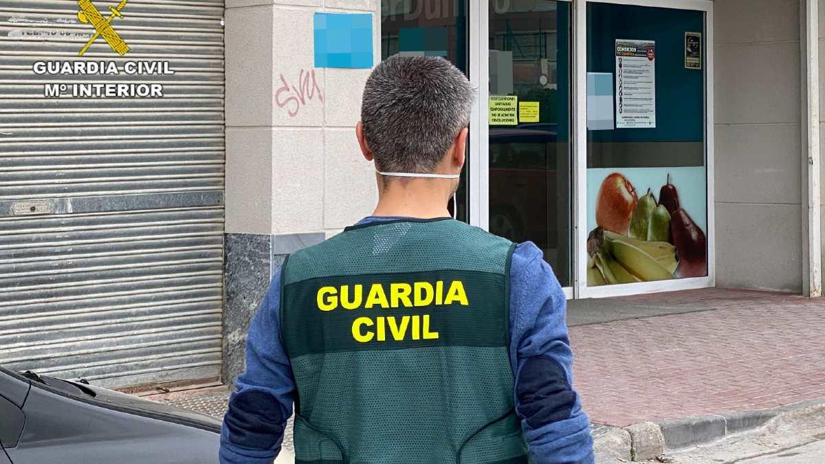 La Guardia Civil ha detenido a un edil de Podemos por abusos sexuales.