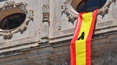 Bandera retirada por el PP por orden del PSOE.