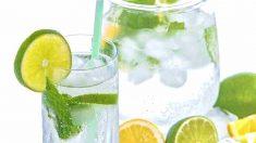 ¿Es saludable tomar agua con gas?
