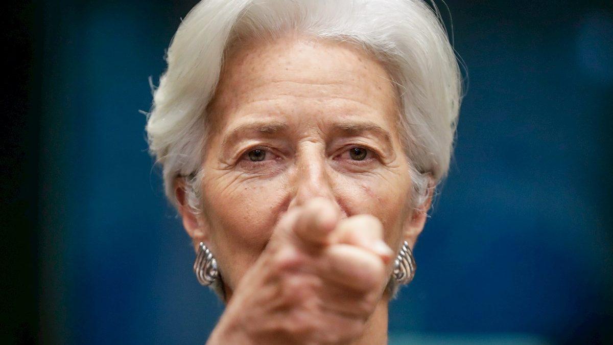 Christine Lagarde, presidenta del Banco Central Europeo (BCE), está comprando casi todo el bono español