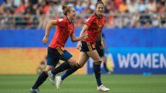 Jenni Hermoso y Alexia Putellas celebran un gol durante el pasado Mundial de Francia. (Getty)