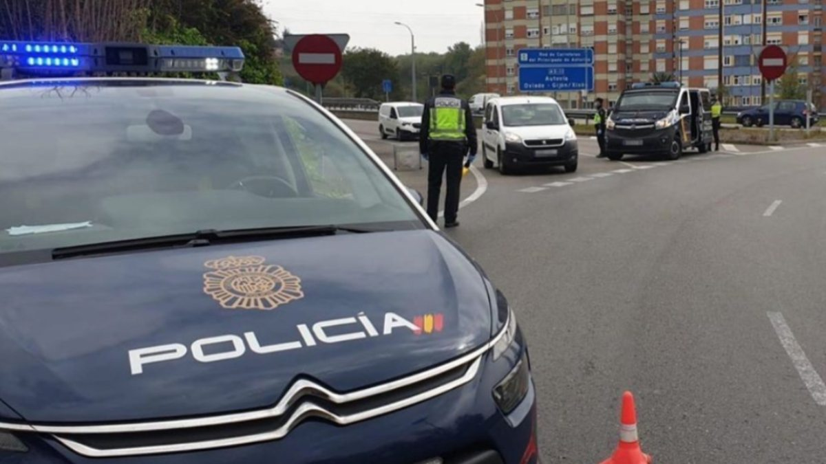La Policía Nacional en un control de seguridad