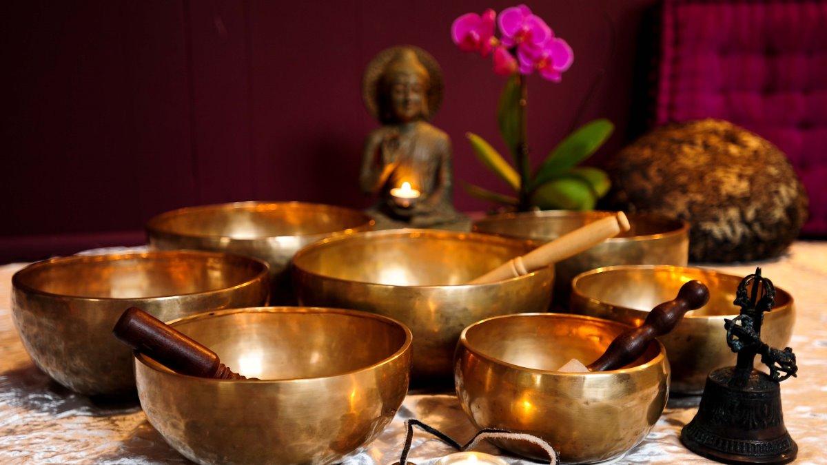 Los cuencos tibetanos son muy importantes en esta terapia