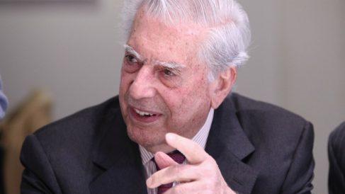 Vargas Llosa encabez a un manifiesto contra el autoritarismo de los gobienro con la excusa de la pandemia.