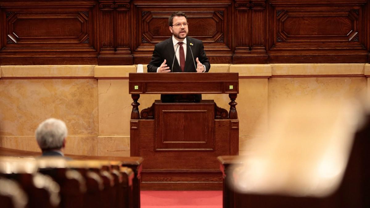 El vicepresidente del Govern y conseller de Economía y Hacienda, Pere Aragonès, en el pleno del Parlament de Catalunya para aprobar los Presupuestos de la Generalitat 2020. En Barcelona, el 24 de abril de 2020. – PARLAMENT