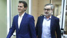 El ex presidente de Ciudadanos, Albert Rivera, y el ex secretario general de la formación naranja, José Manuel Villegas. (Foto: Europa Press)