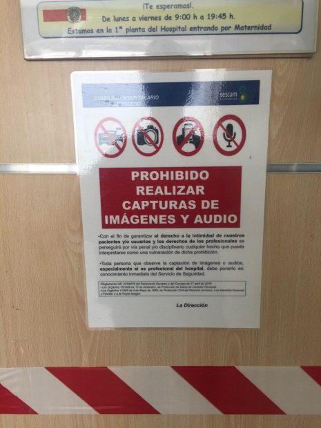 """García-Page impone la censura en sus hospitales: prohíbe grabar """"audios y vídeos"""" a todos los sanitarios"""